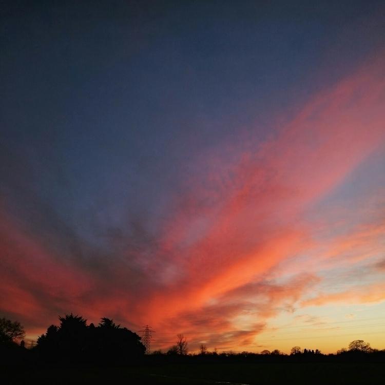colder night, beautiful sky - sunset - estelleclarke | ello