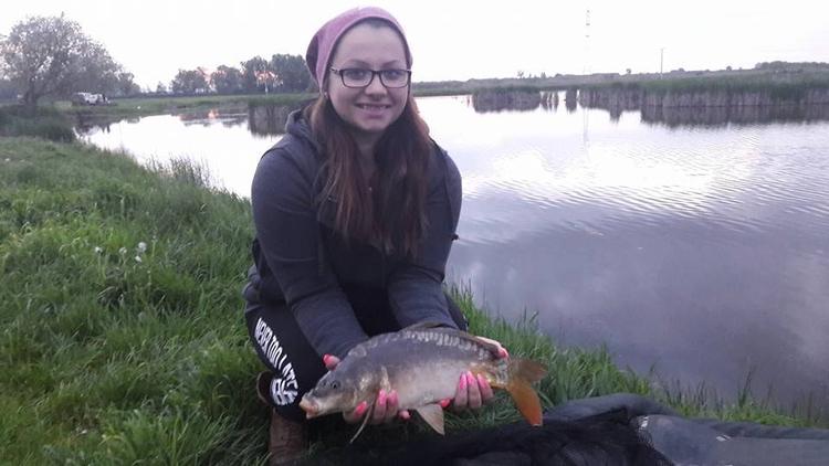 fishinggirl, anglergirl, angler - bovehorgaszto | ello