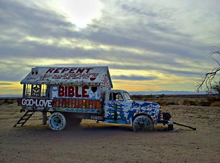 messages, Salvation Mountain, C - frankfosterphotography | ello