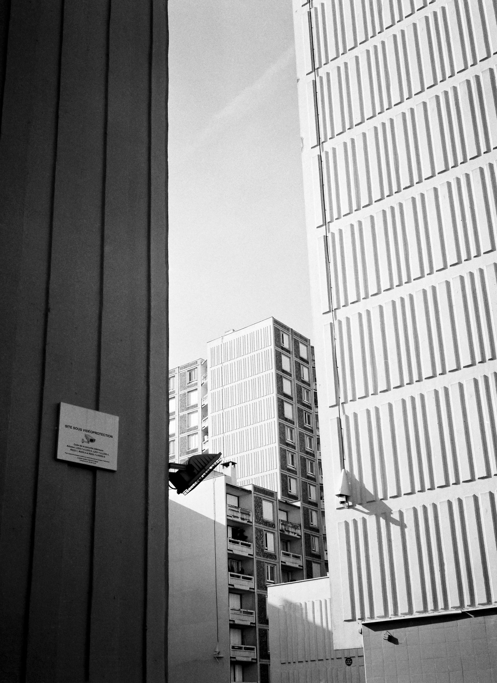 Architecture / Saint-Ouen, 2017 - j_cortie | ello
