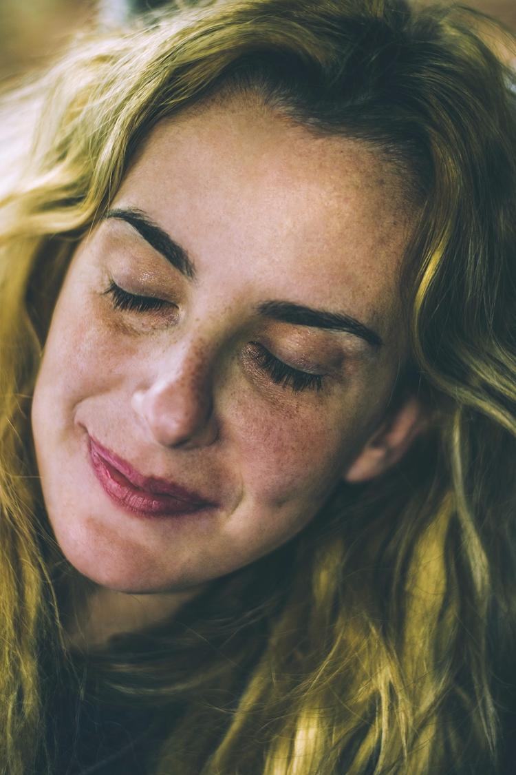portraits...dreaming - blonde, pretty - natxodiego | ello