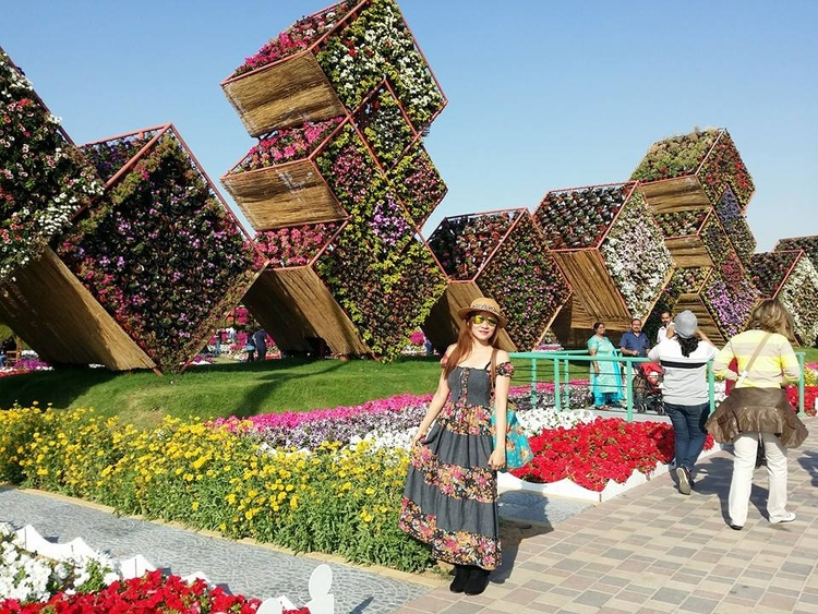 MIRACLE GARDEN TOUR DUBAI - FLOWERS - nannithfajilan | ello