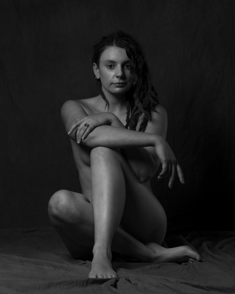 Courtesy - figure, figurative, nude - f-delancey | ello
