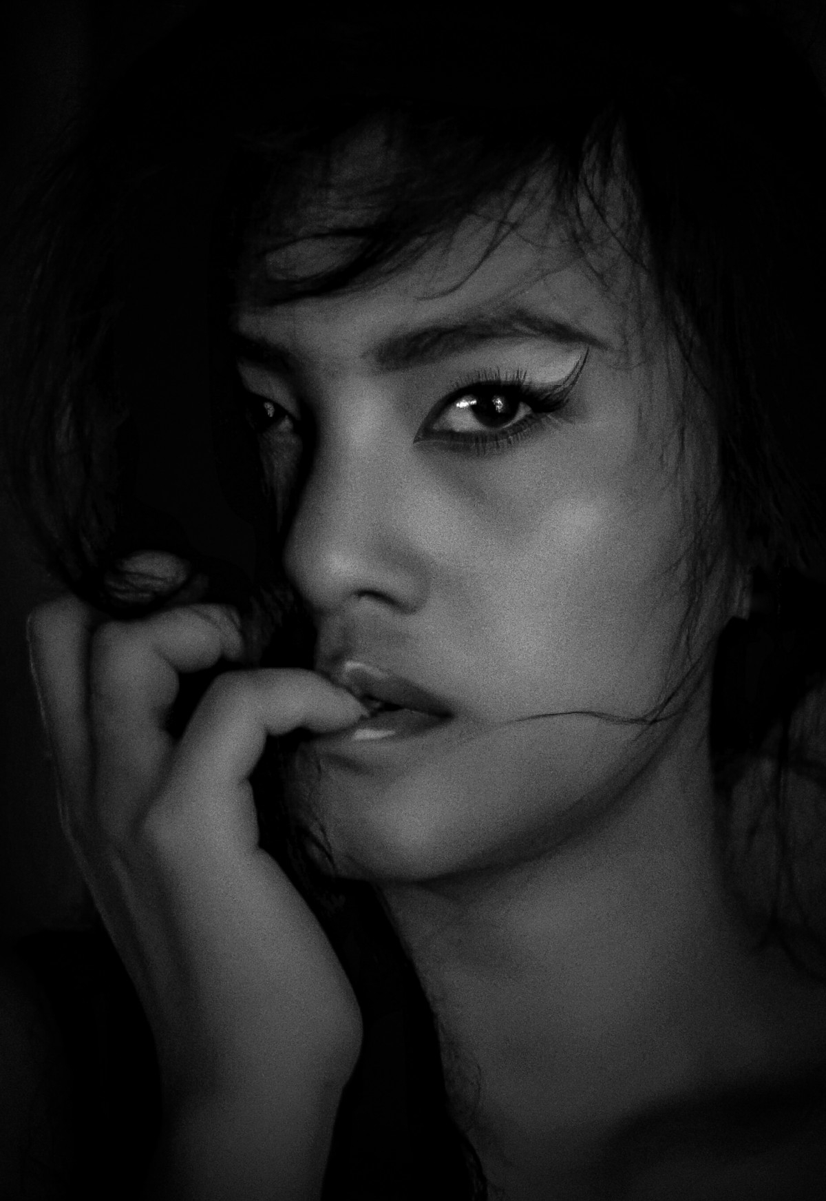 great > Photographer Dhanny  - portrait_blackandwhite | ello