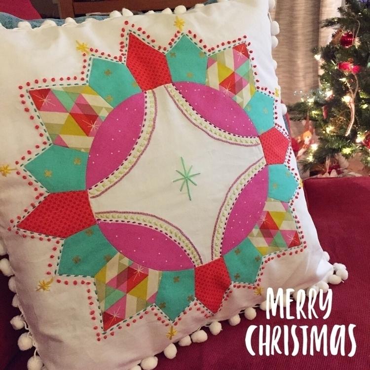 Wishing Merry Christmas! (Engli - laquintaquilts | ello