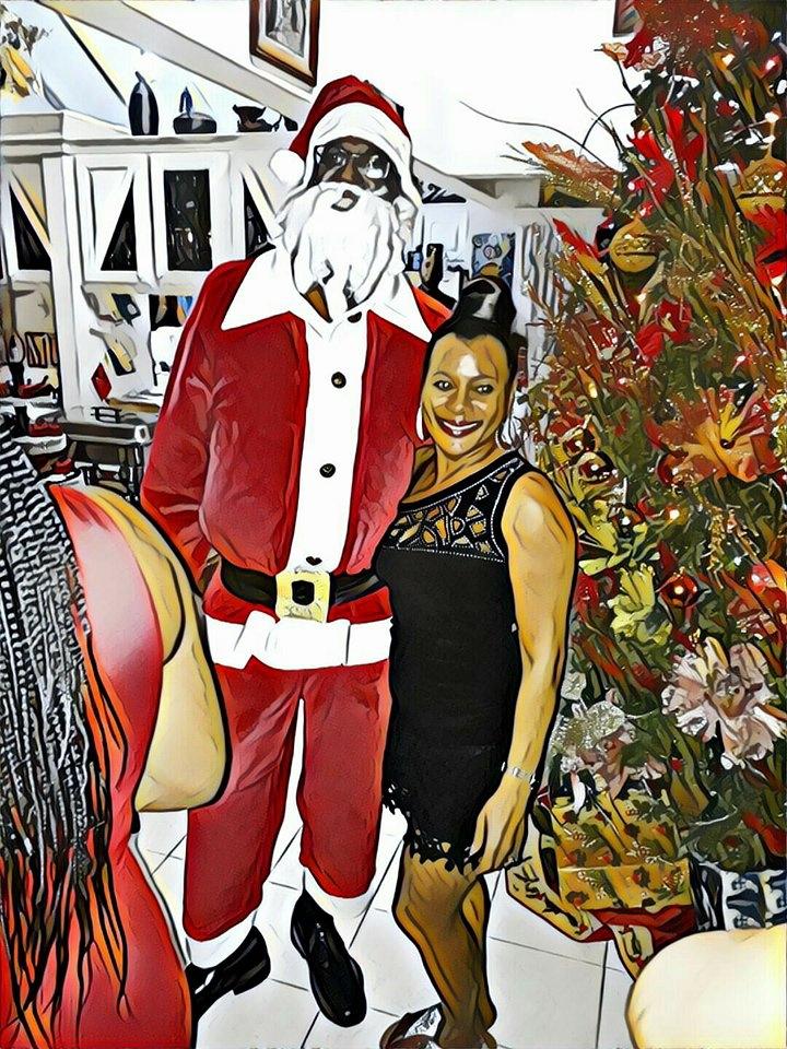 Aunt Christmas Party - daba_davisual | ello