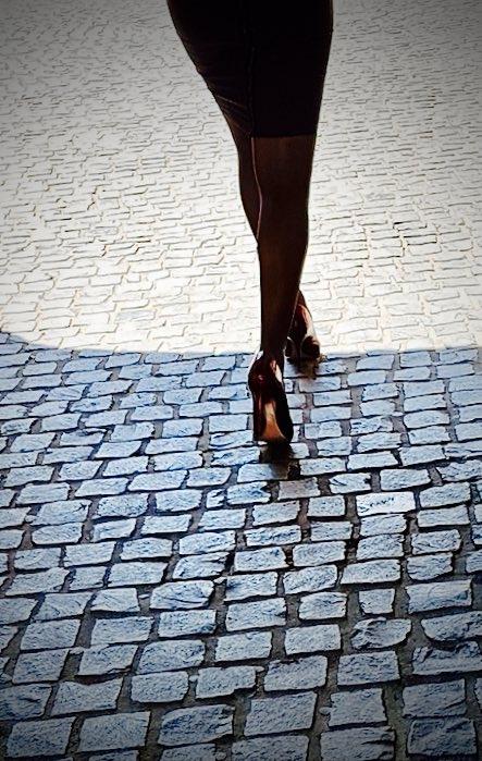2017 Review: Q2 shadow light - Legs - ziolele | ello