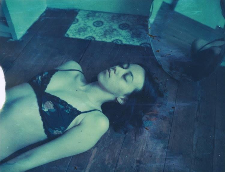Leanne Surfleet - mez_yow | ello