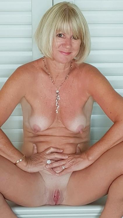 nude, milf, shaved, cunt, clit - big_floater | ello