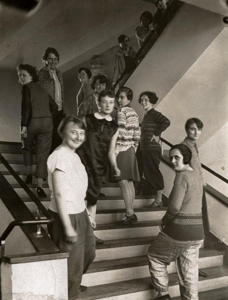 Women 1927. Lena Bergner, Grete - bauhaus-movement | ello