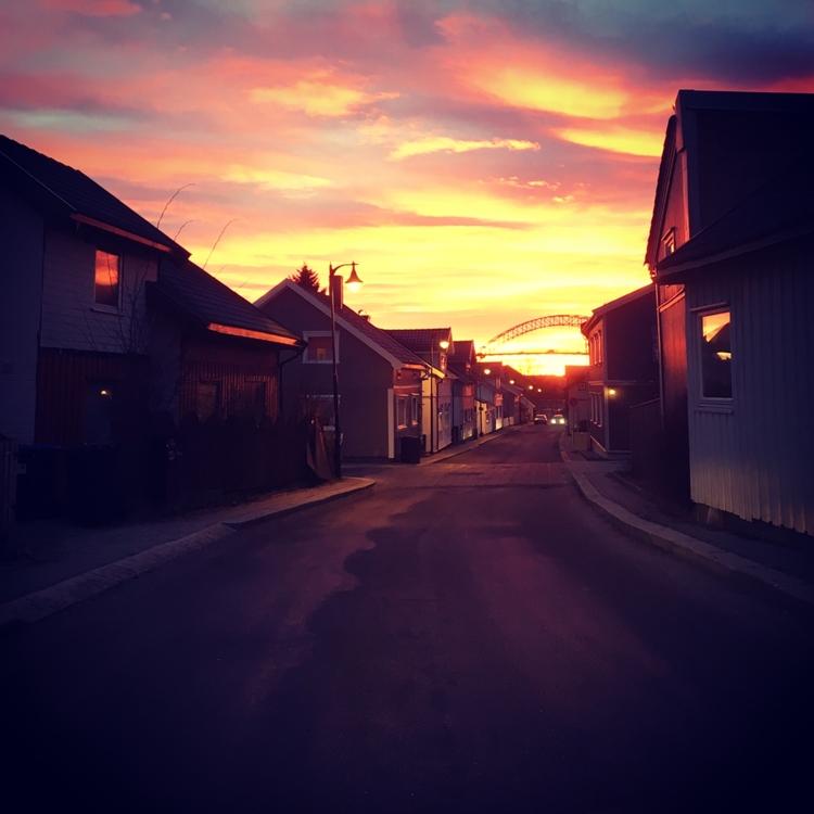 Sunset hometown Fredrikstad Nor - stigergutt | ello