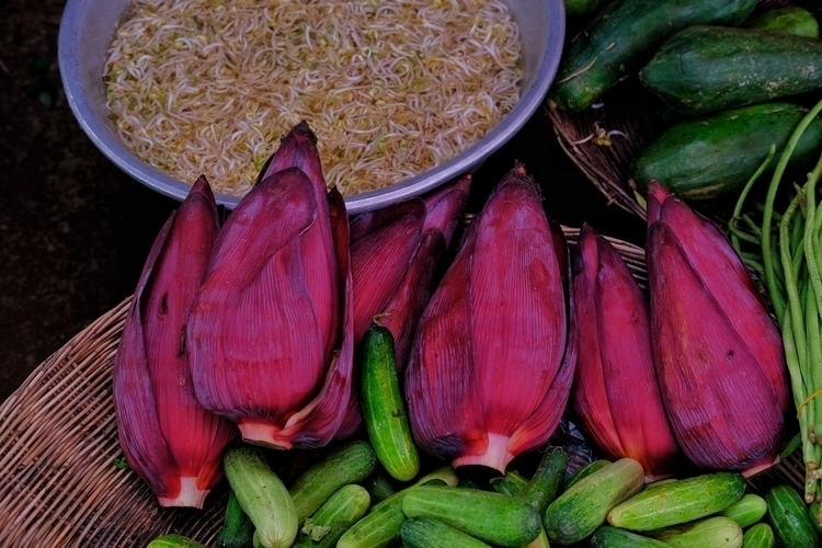 Bananenblüten; daraus kann man  - weltfarben   ello