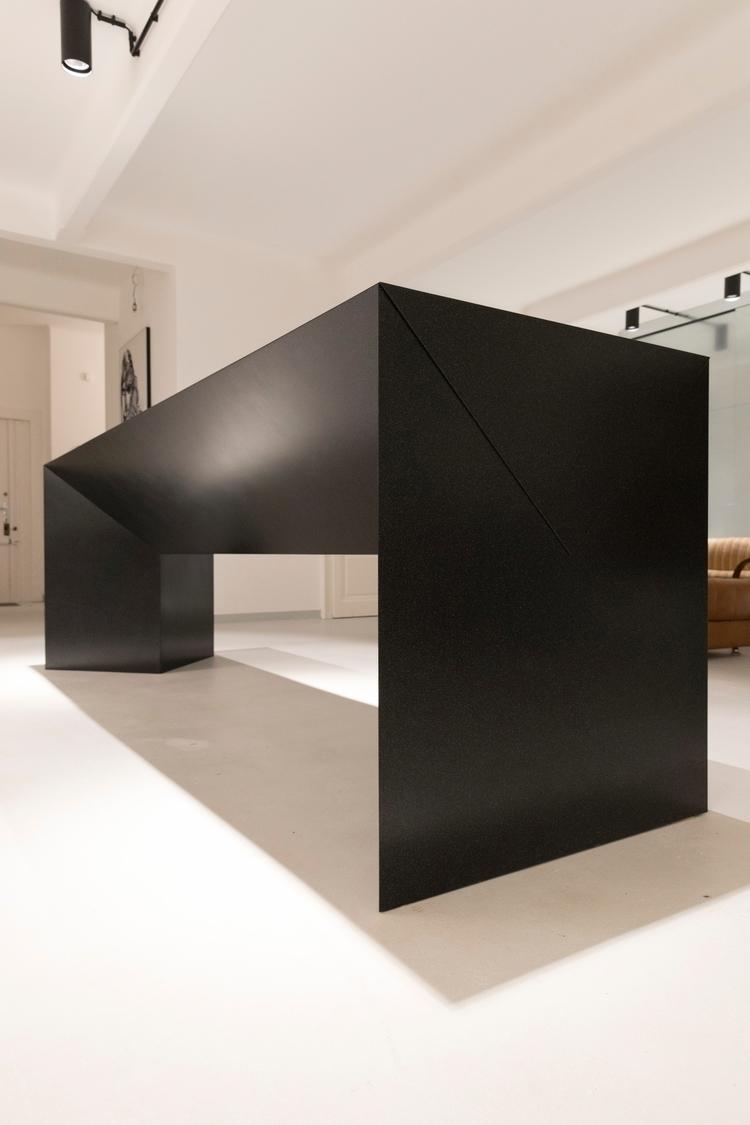 Monolith Studio 3111 Vienna. ta - zirup | ello