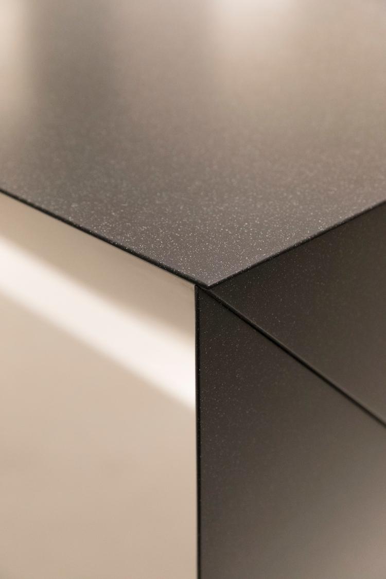 detail Monolith Studio 3111 / F - zirup | ello