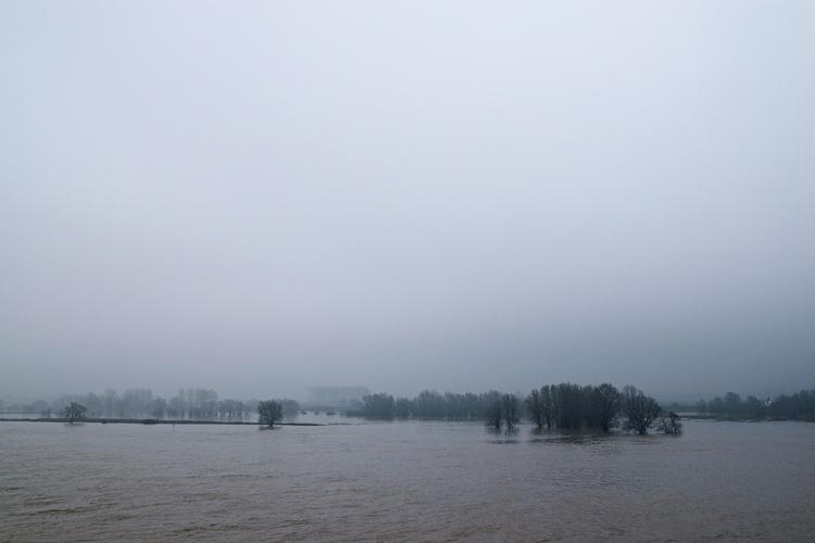 High water Waal - Nijmegen - faest0 | ello