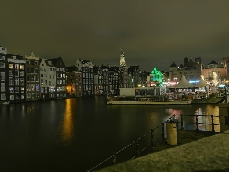 Amsterdam night soothing calm - flashbash | ello