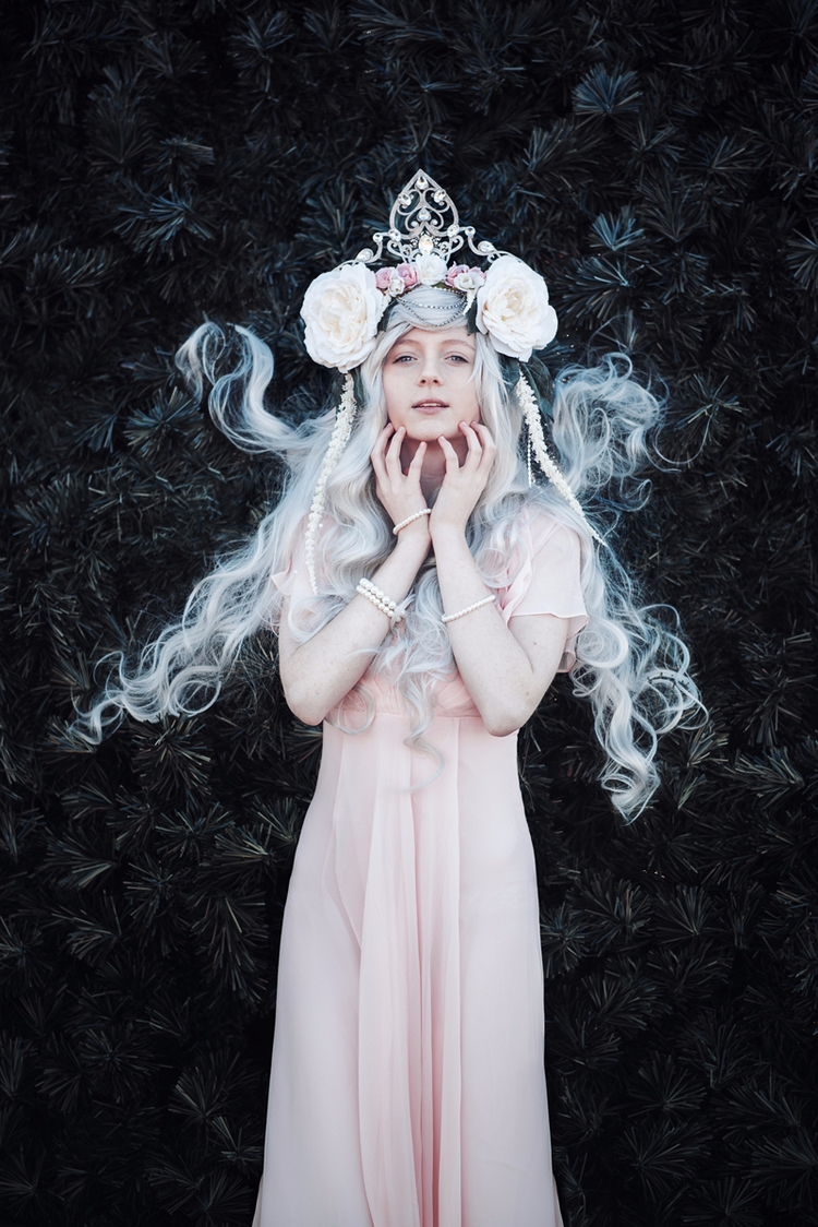 Photographer/Headpiece/Retouche - darkbeautymag | ello