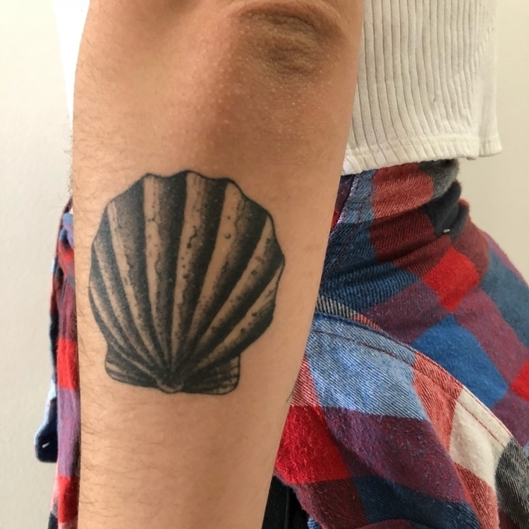 Healed tattoo months - shell, blackwork - _i_baliberdin | ello