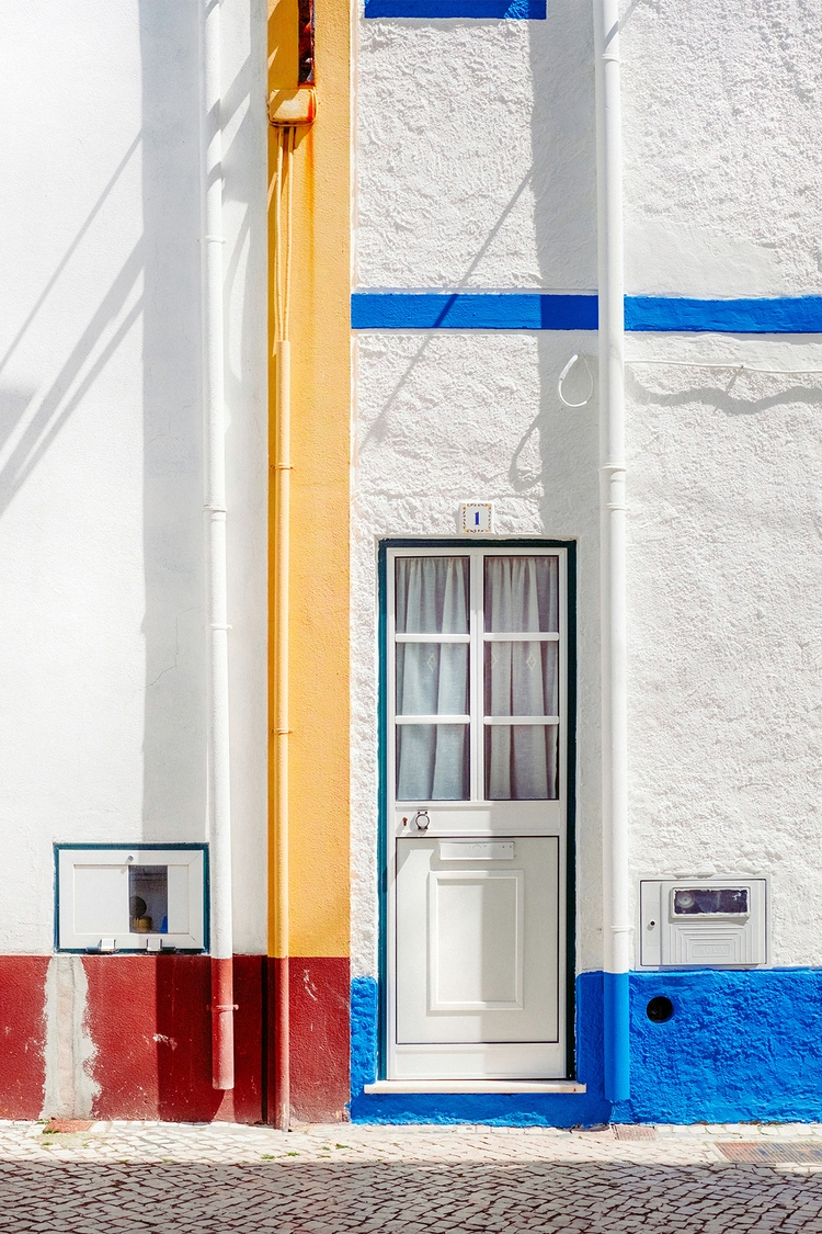 house Piet Mondrian Nazaré, Por - samuelzeller | ello