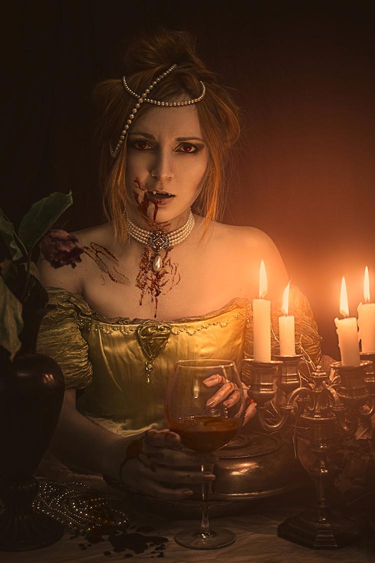 """Entretien avec Vampire"" — Phot - darkbeautymag | ello"