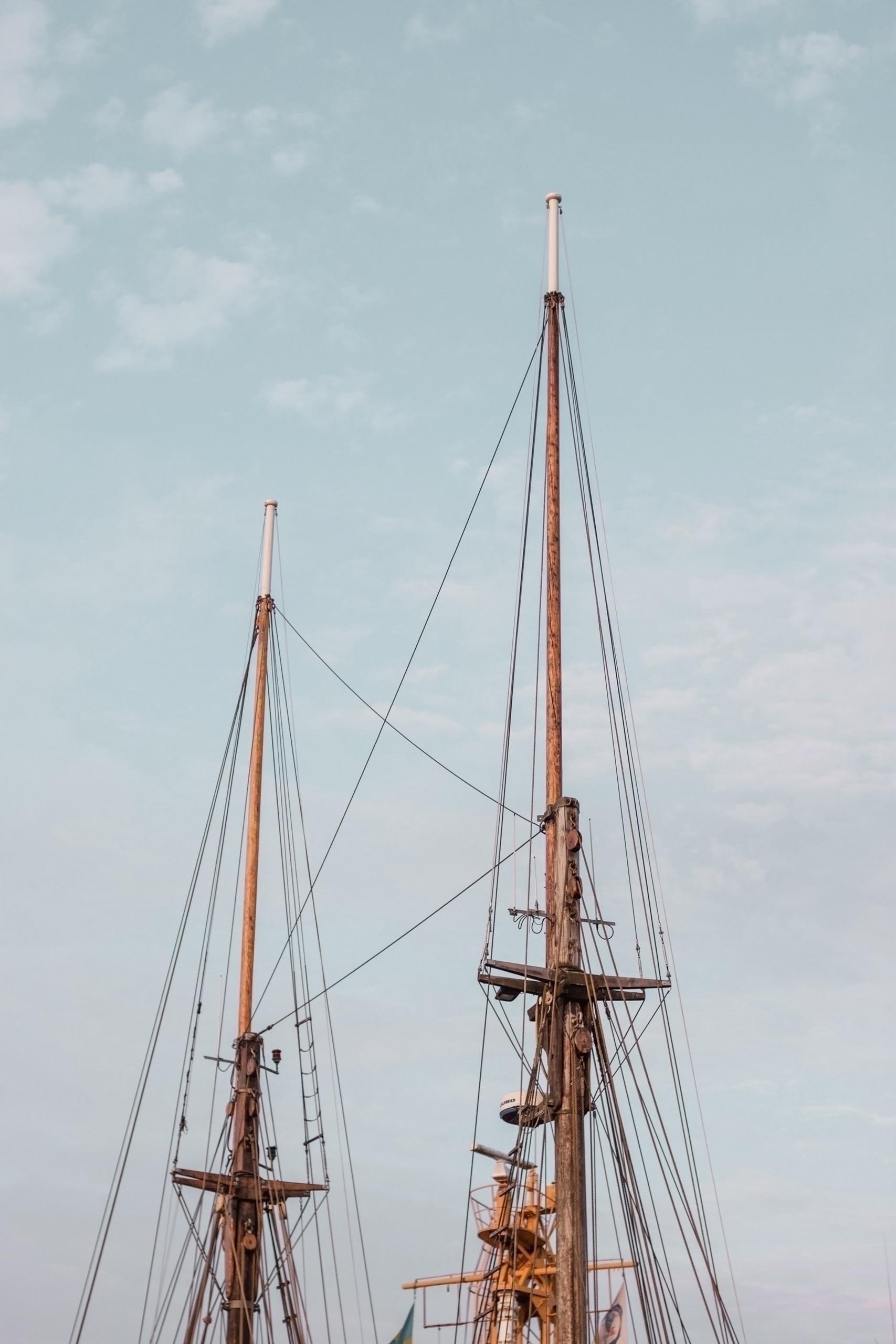 ship, 50mm, ellophotography, minimalism - linusake | ello