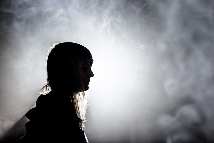 smoke long Canon 1DX + Sigma 50 - lukebatemanphoto | ello