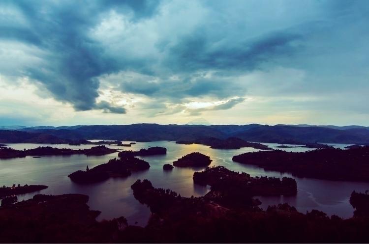 Lake Bunyonyi deepest fresh wat - amdic | ello