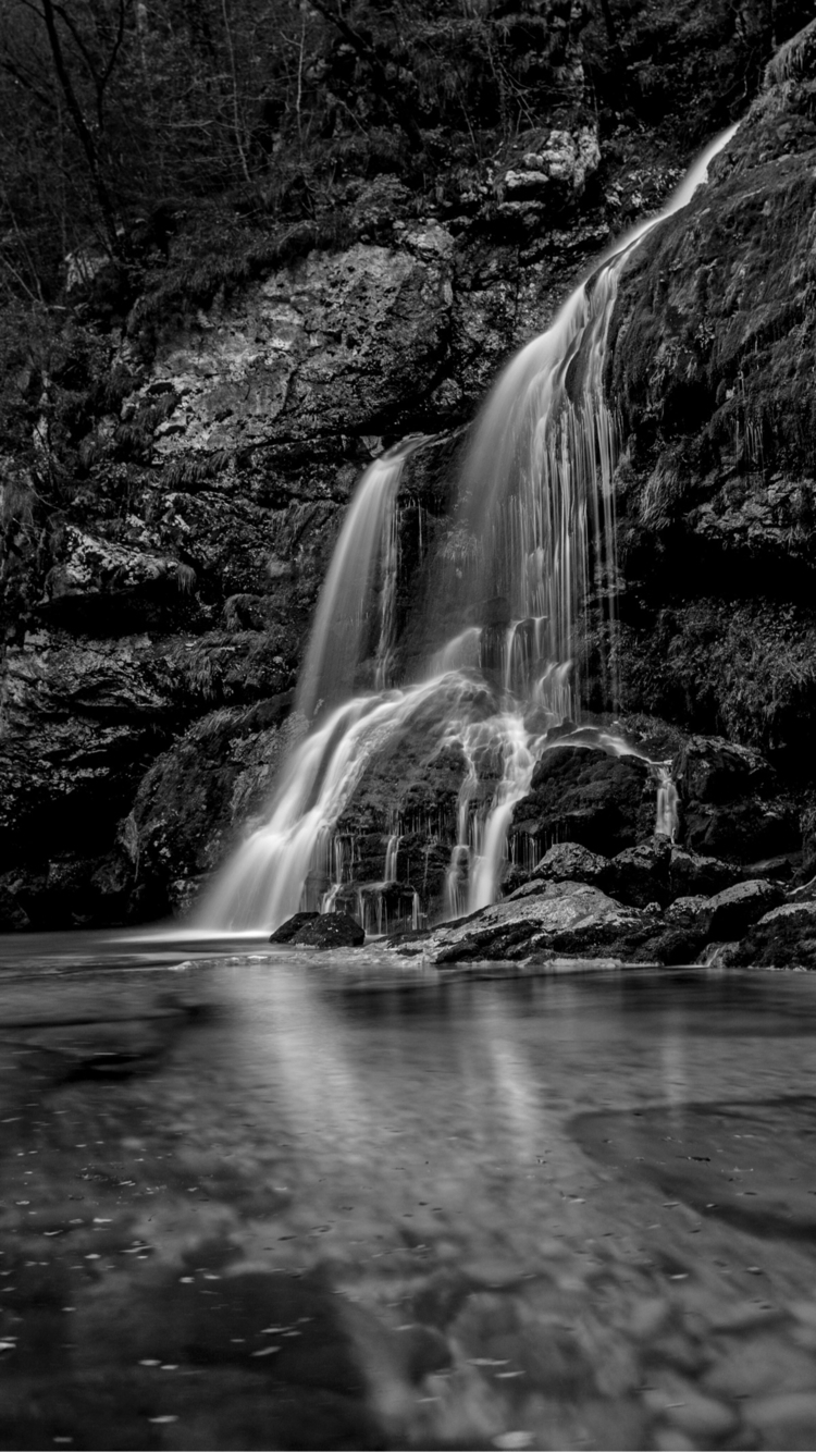 Calm - water, waterfall, blackandwhite - tari | ello