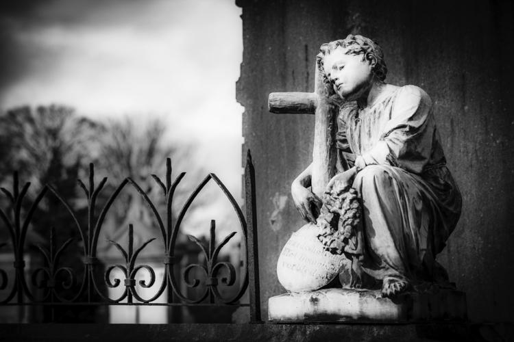 Dreaming boy - statue, cemetery - ericvandael   ello