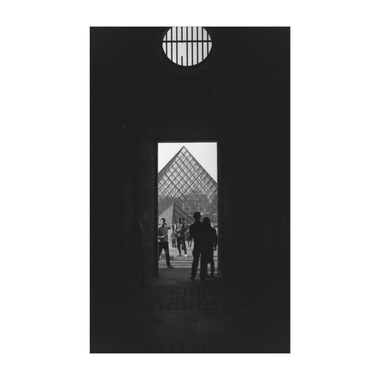 Louvre Ilford delta 100 Nikon F - juripfammatter | ello