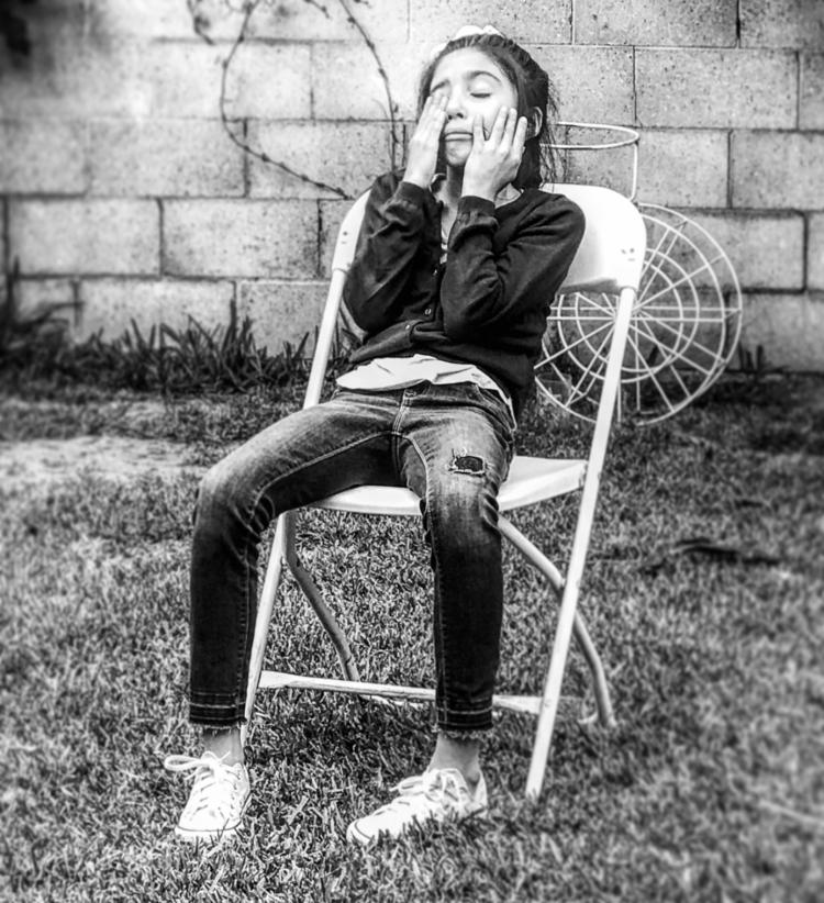 Chairs Los Angeles Black White  - vianeydmgz | ello