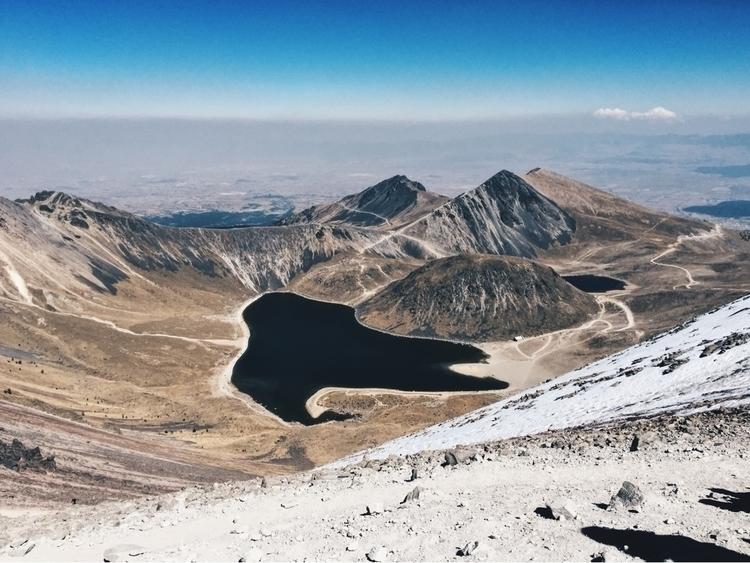Volcano lake - danielflores | ello