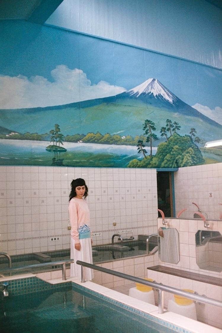 Marisol sento. Tokyo, 2016 - 35mm - zaziwhite   ello
