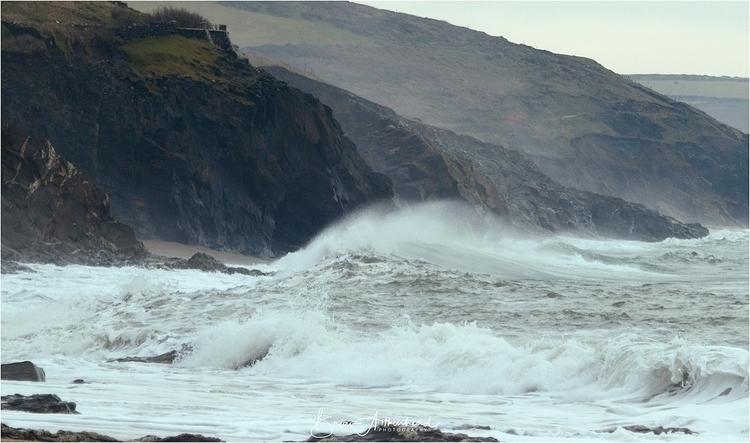 Porthleven, Cornwall UK - waves - applebear1976 | ello