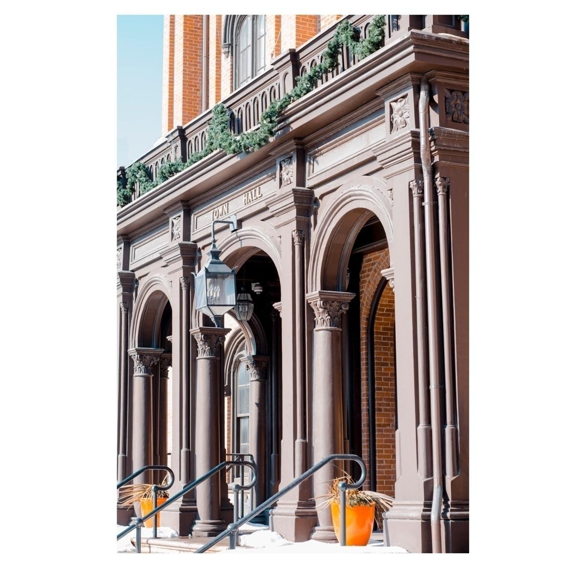 Editing town hall orange filter - _edwardwang | ello