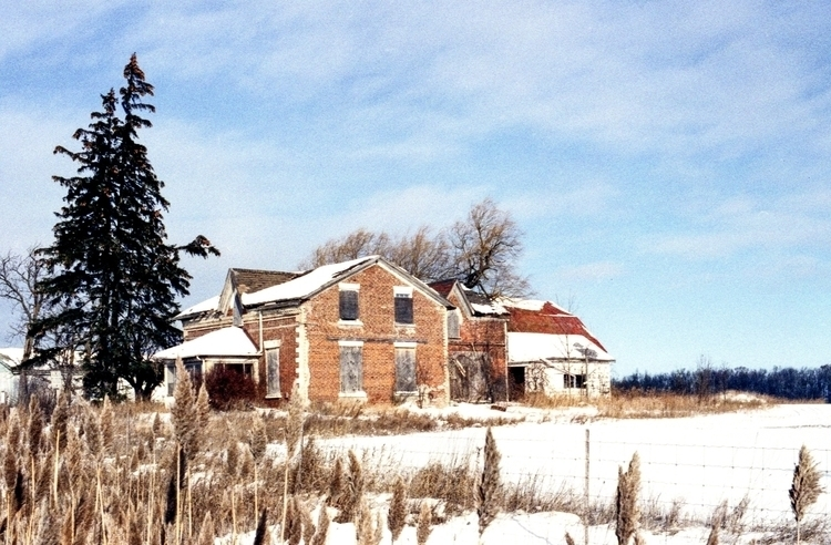 Abandoned Caledon Farm House Ca - wbsmith200 | ello
