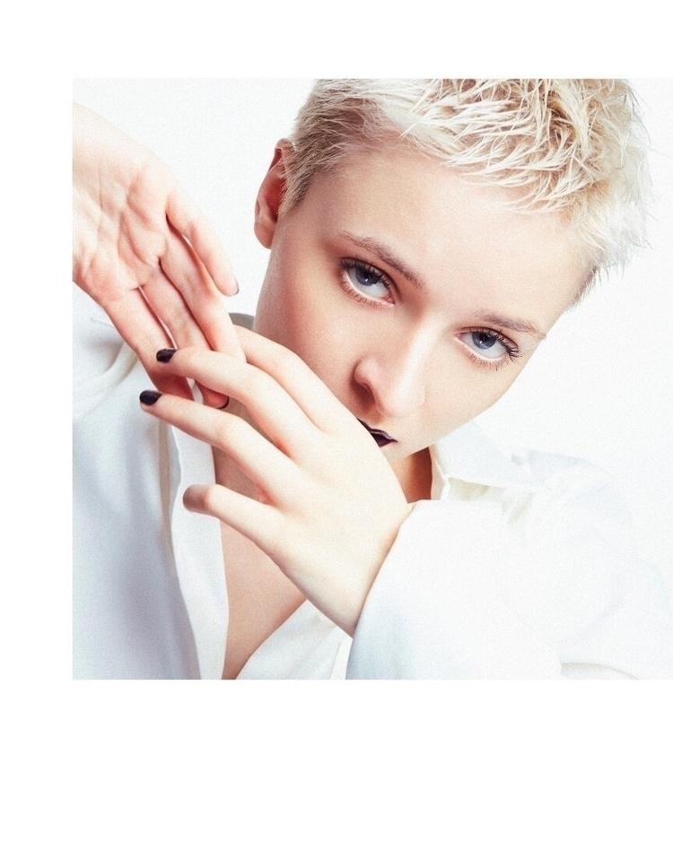 NewTide Magazine - tommi_chu | ello