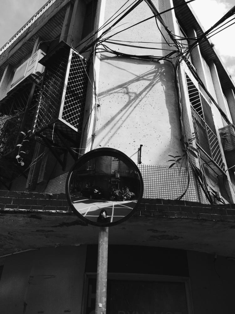 street... white - black, mirror - dobbyelsa | ello