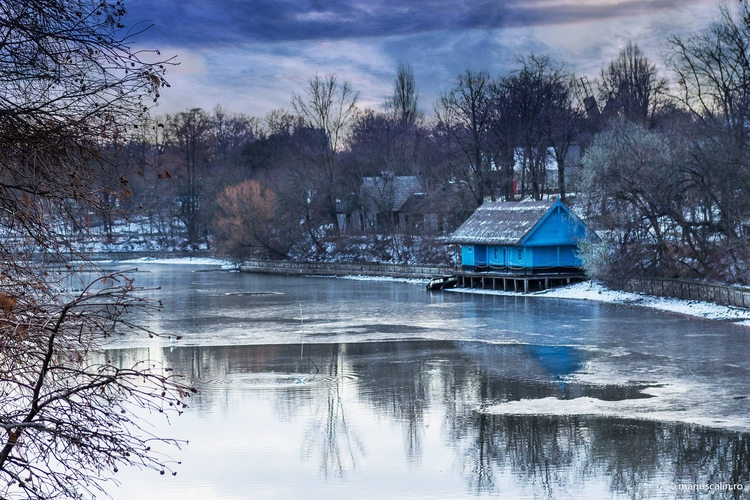 House lake Herastrau, Bucharest - mariuscalin | ello