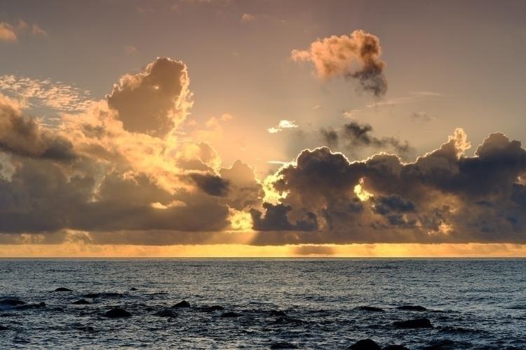northeast coast Taiwan 來自台灣東北方海 - shunlung_lin   ello