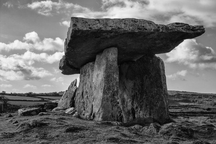 Poulnabrone dolmen Situated hig - c_wal | ello