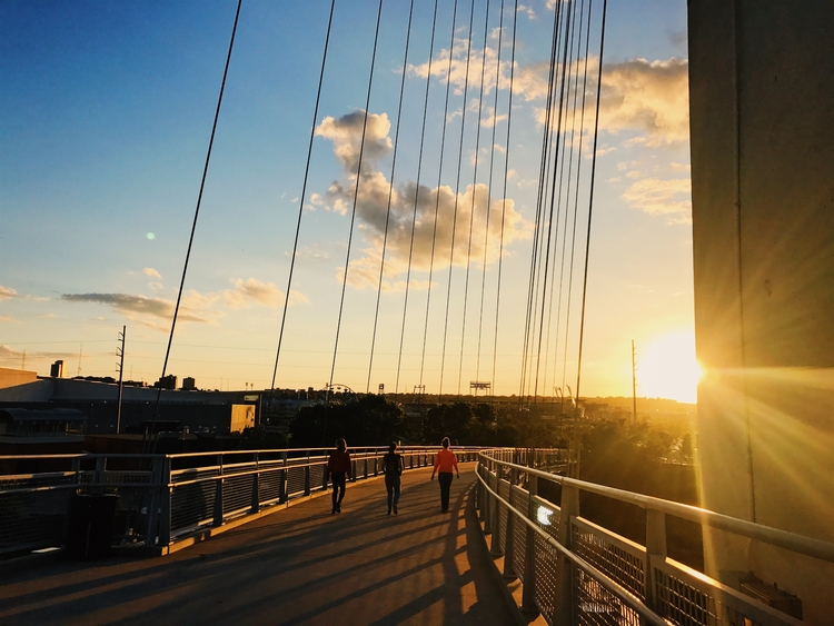 Pedestrian bridge Omaha - omaha - amseaman | ello