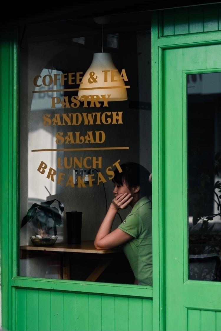 world  - streetphotography, door - randykzc | ello