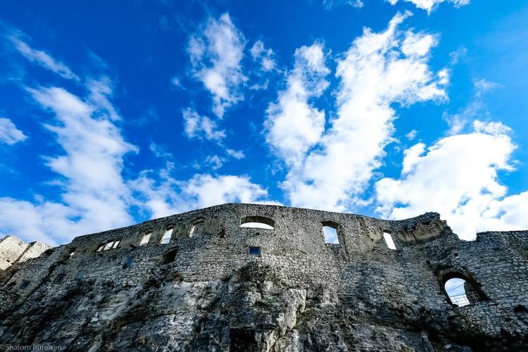 Spišský hrad Castle, Slovakia - ancient - shutterstalk | ello