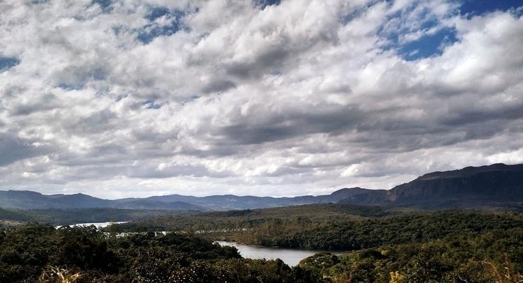Um pouco de Minas Gerais em ago - leonardorander | ello