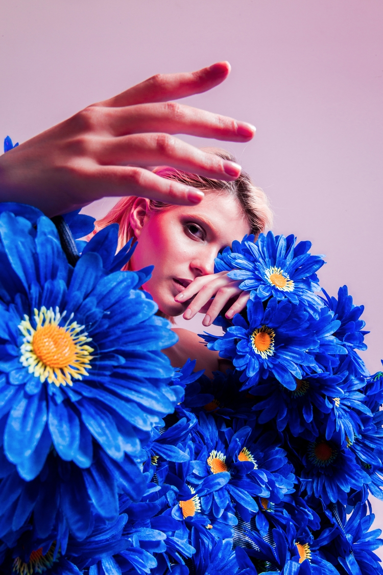 indescribable flowers Powerful - dariomatos | ello