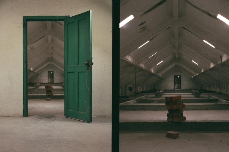 Abandoned nursing home Hong Kon - ruinsstop220215   ello