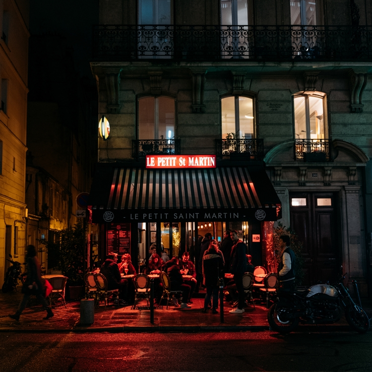 Paris night time - paris, france - jmsaponaro | ello