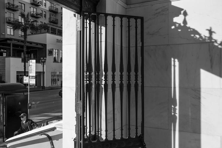 waiting bus, Pasadena, Californ - frankfosterphotography   ello
