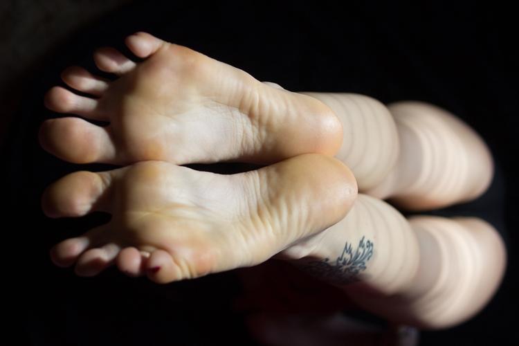 footfetish - gorgeousfeetpics | ello